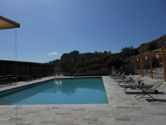 Altarocca Wine Resort: PISCINA