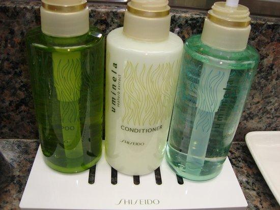Dai-Ichi Hotel Annex: Shiseido bath products