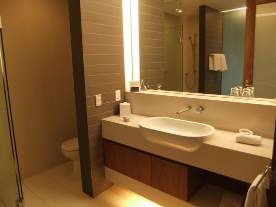 RACV Healesville Country Club: Bathroom