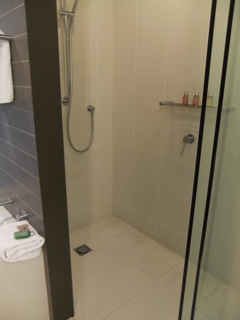 RACV Healesville Country Club: Shower