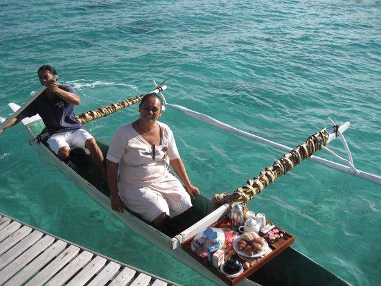 Conrad Bora Bora Nui : Breakfast deliverd at the bungalow