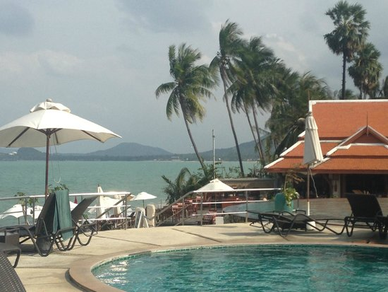 Samui Buri Beach Resort: Бассейн