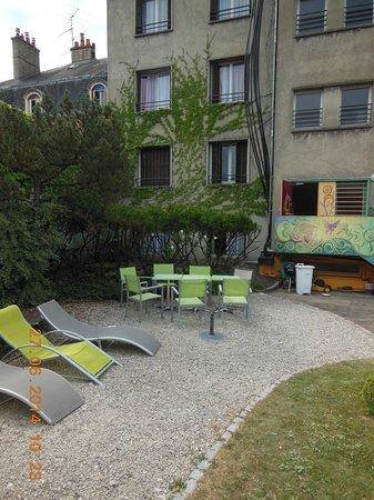 Residence Urbaneva: Gebäude aus Innenhof