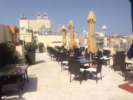 The Plaza & Plaza Regency Hotels : Roof terrace