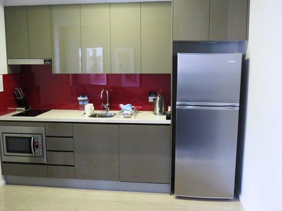Meriton Serviced Apartments Campbell Street: Kitchen