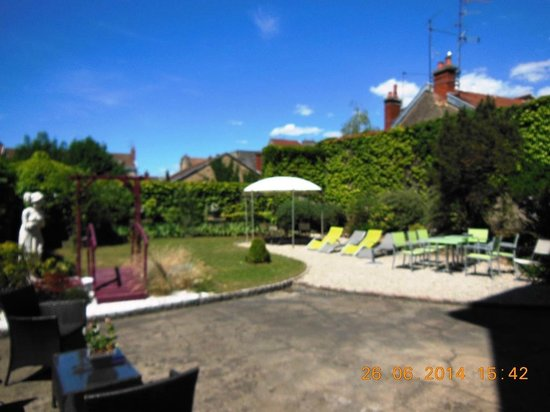 Residence Urbaneva : Blick auf Innenhof