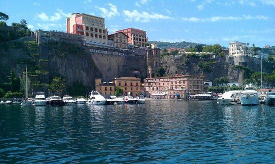 Marina Piccola 73: Otel