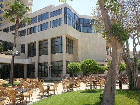 InterContinental Abu Dhabi: Alrededores del Hotel