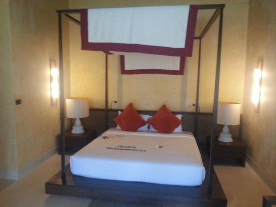 Buri Rasa Village Samui: Main bed
