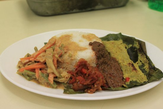 Nasi rames picture of wardani indonesian food auckland for Auckland cuisine