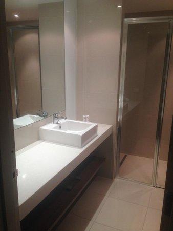 Quality Hotel Wangaratta Gateway: Bathroom