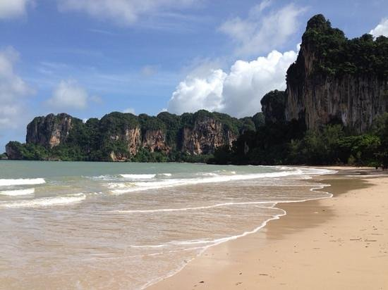 Sand Sea Resort : West Railay beach