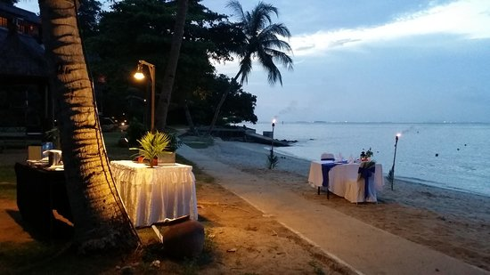 Turi Beach Resort: Nice candle light dinner setting