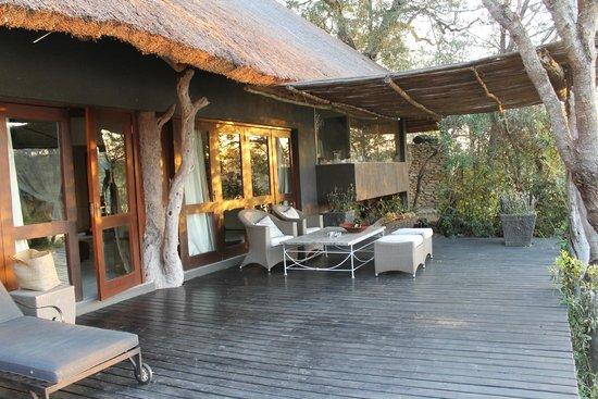 Chitwa Chitwa Private Game Reserve: terrasse de la chambre