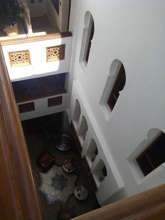 Dar Chams Tanja: Patio interior del hotel