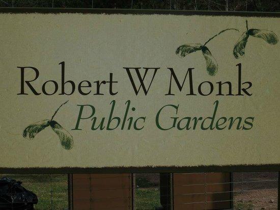 Robert W. Monk Public Gardens: Garden Sign