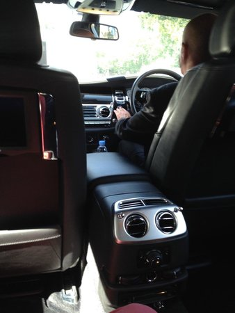 The Wellesley Knightsbridge, a Luxury Collection Hotel, London: Chauffeured by Keith in house RR Phantom.