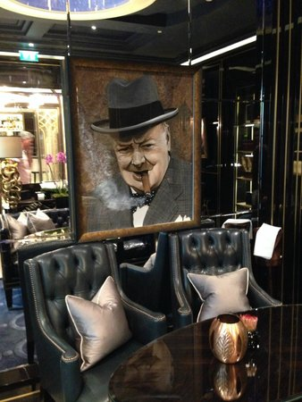 The Wellesley : Winston resplendent in the Cigar Lounge
