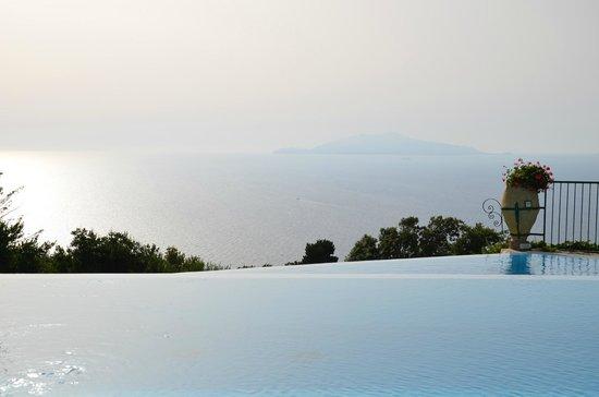 Caesar Augustus Hotel: Vue depuis la piscine