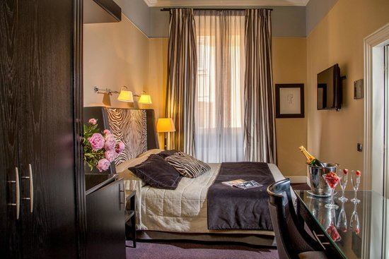 The Inn At The Spanish Steps- Small Luxury Hotel: Deluxe annex