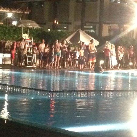 Club Med Kabira Ishigaki : Pool Party