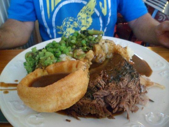 Tadross Hotel: Good food