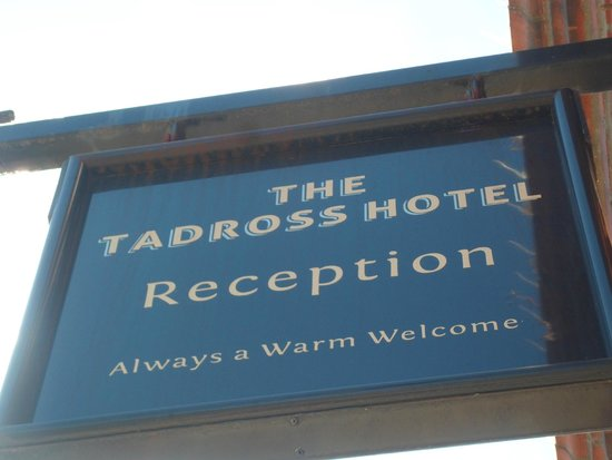 Tadross Hotel: A warm welcome!!