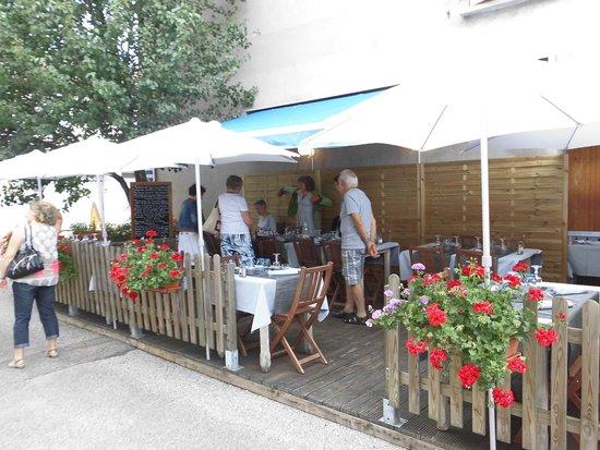 A l'Ardoise Chatillonnaise : la terrasse