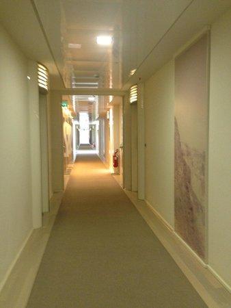 UNA Hotel Versilia : Hallway