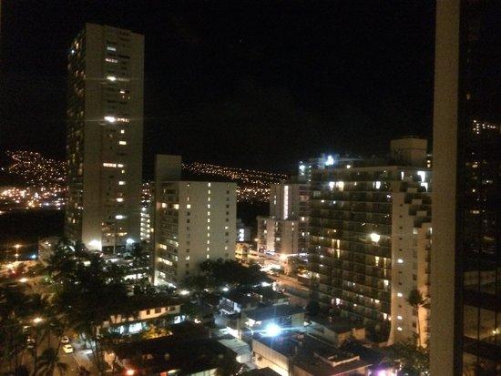Marine Surf Waikiki : 夜景