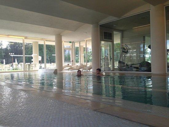 UNA Hotel Versilia : Spa swimming pool view