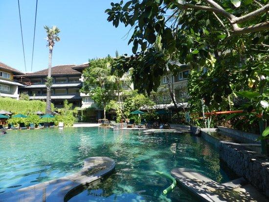 HARRIS Resort Kuta Beach: pool view