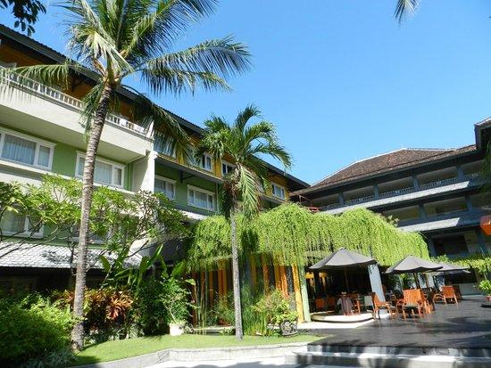 HARRIS Resort Kuta Beach: view from room and pool area