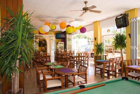 Apartamentos Poniente Playa: Snack bar