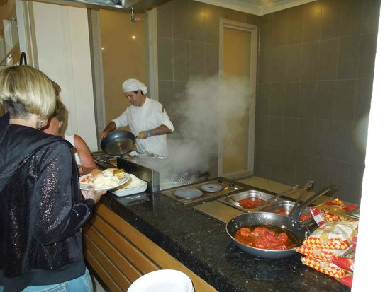 Seabel Rym Beach : Cuisinier italien