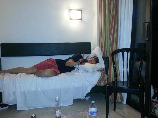 Rosanna Apartaments: un des lits