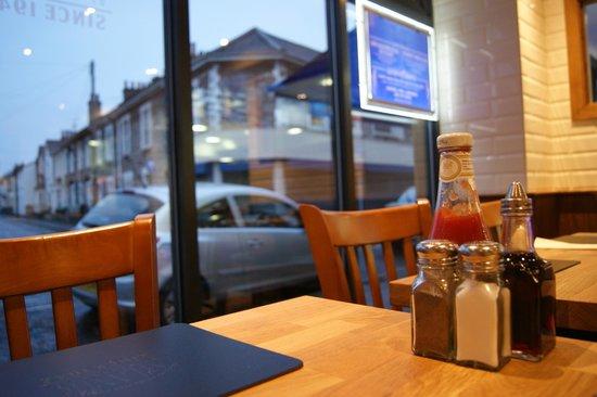 Atlantic Fish Bar & Restaurant: Watch the world go by...