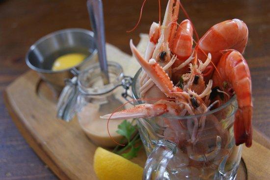 Atlantic Fish Bar & Restaurant: 1/2 Pint of prawns and langoustines, delicious!
