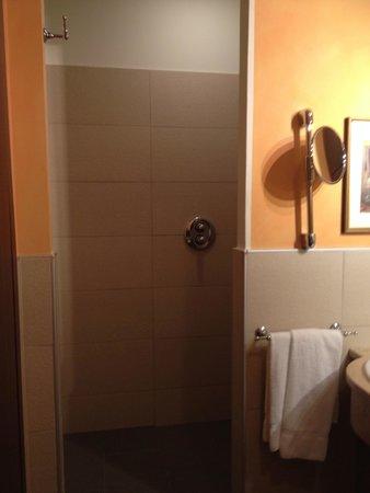 Boutique Hotel Villa Sostaga : bathroom decoration
