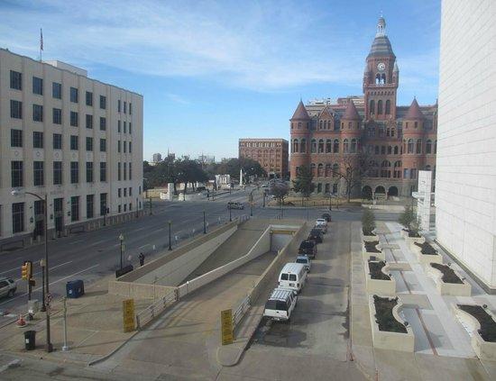 The Sixth Floor Museum/Texas School Book Depository: Texas School Book Depository from my hotel window