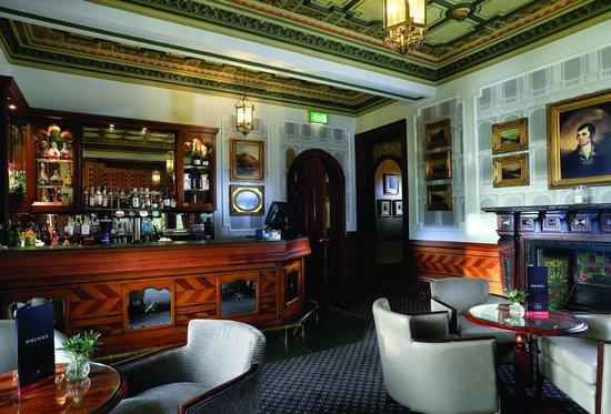 Macdonald Kilhey Court: Burns Bar