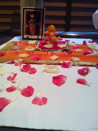 Vivanta by Taj - Connemara, Chennai: Day one Red White petals