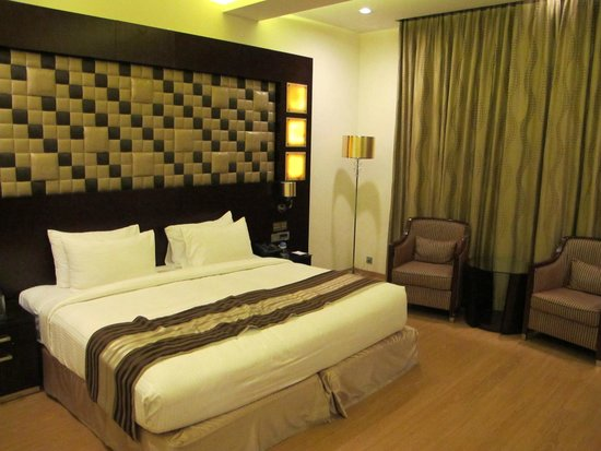 Clarks Exotica Convention Resort & Spa: The bed