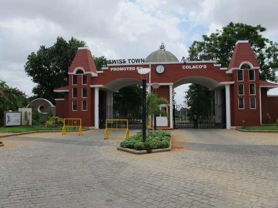 Clarks Exotica Convention Resort & Spa: Entrance to the property