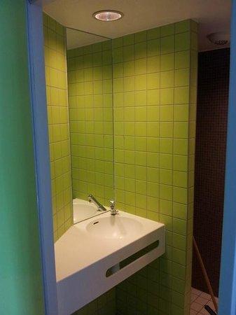 Auberge de jeunesse des deux Rives : Salle de bains