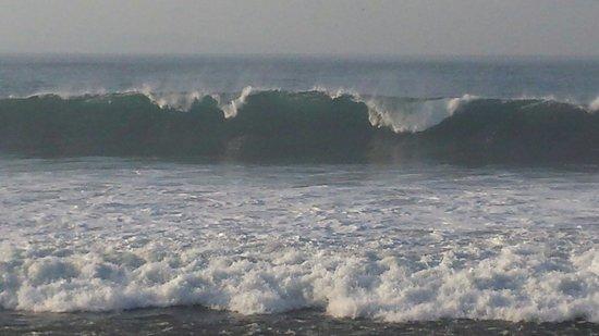 Komune Resort, Keramas Beach Bali: Komune surf