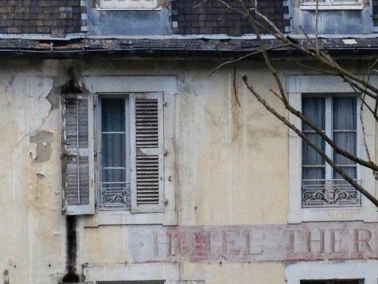 Hotel Thermal: facade 1