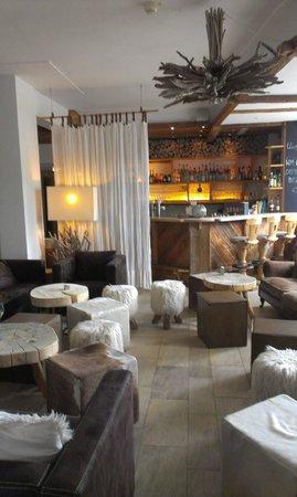 HUBERTUS Alpin Lodge&Spa: Bar Area