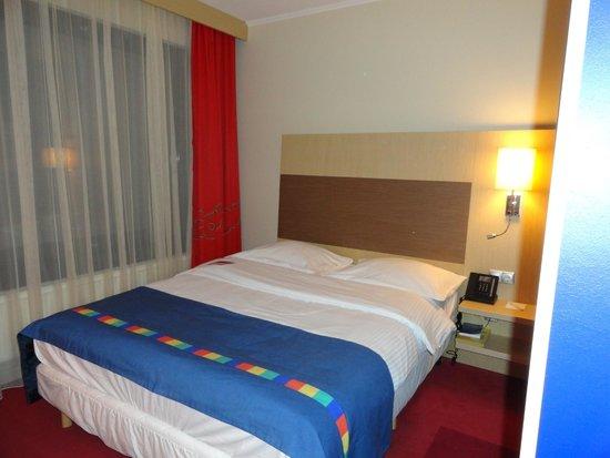 Park Inn By Radisson Pulkovskaya : Большая, удобная кровать