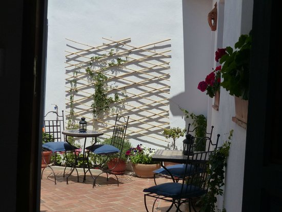 Casita de la Vaca: The lovely view of the courtyard from your room
